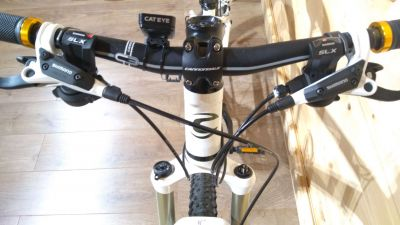 Cannondale SL2 Grips & Bars